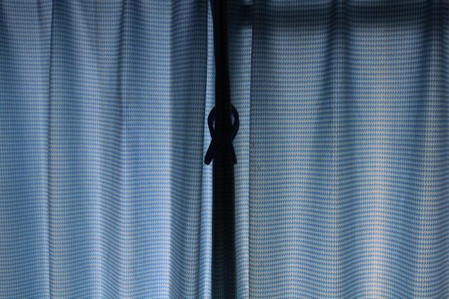 汚れたカーテン