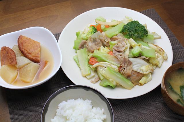 キャベツとブロッコリーの肉野菜炒め