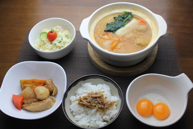 キムチ味の肉団子鍋