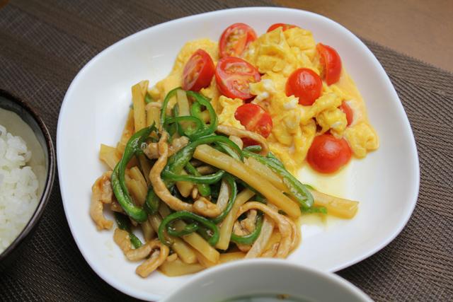 青椒肉絲、ミニトマトの卵炒め