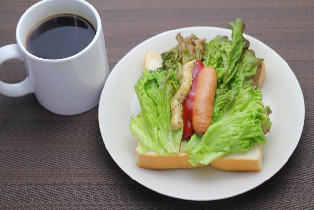 食パンのホットドッグ