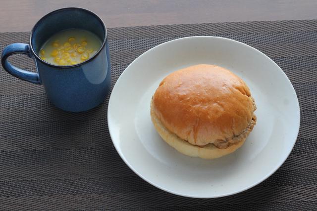 ヤマザキ ふっくらバーガー テリヤキソース&キャベツマヨネーズ風味