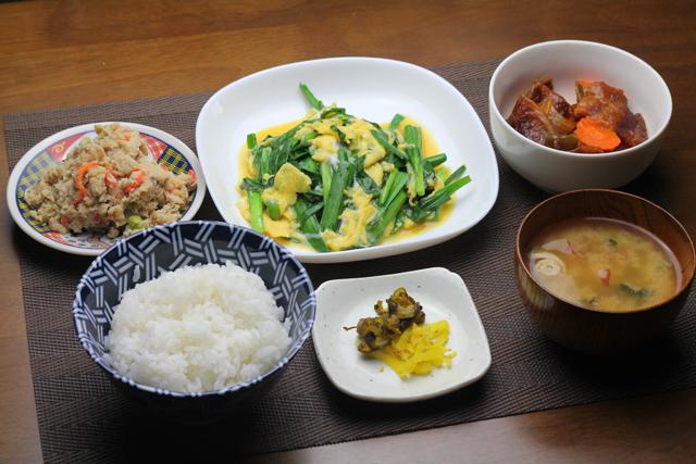 ニラ玉と酢豚