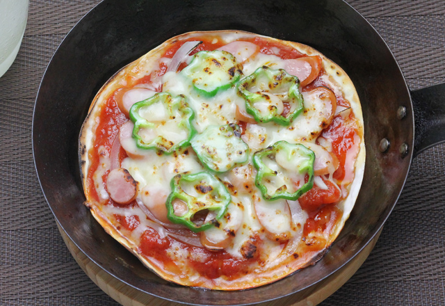 ぎ餃子の皮ピザ