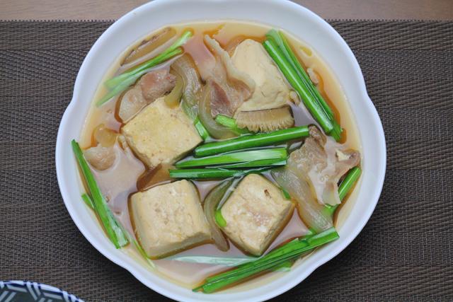 ニラ入り肉豆腐