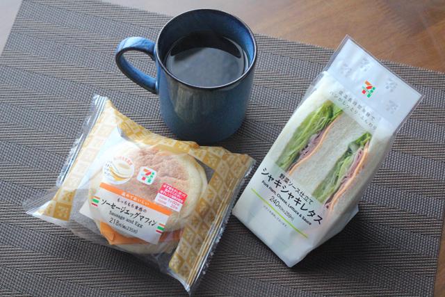 セブンイレブン サンドイッチとソーセージエッグマフィン