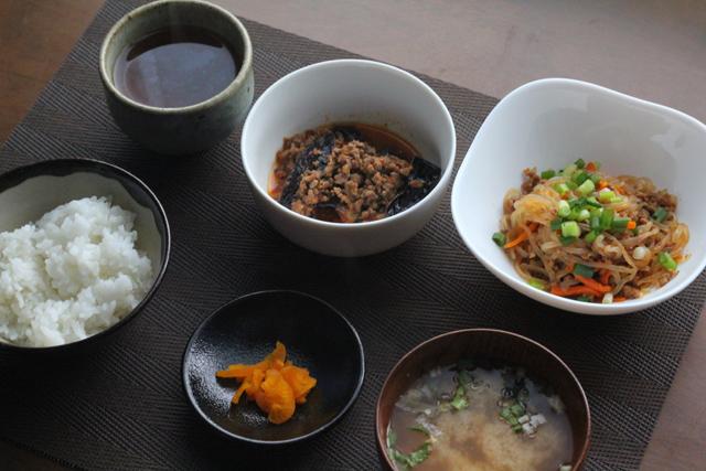麻婆茄子/ひき肉と白滝の炒めもの