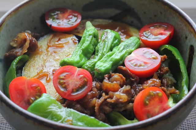 夏野菜牛丼