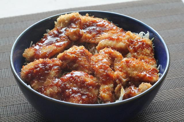 鶏むねのソースカツ丼