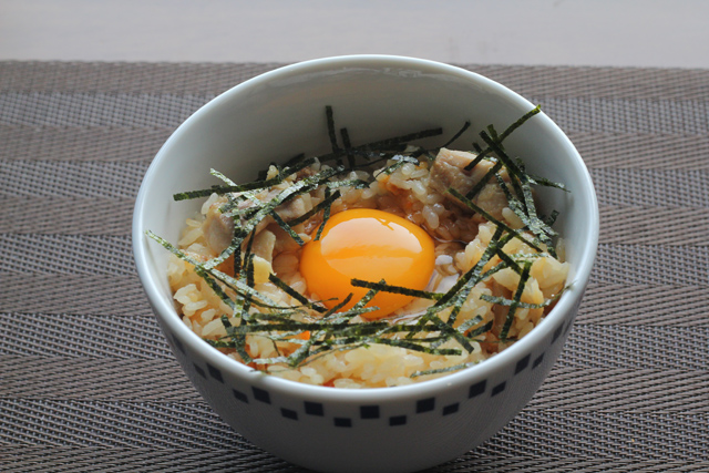 鳥炊き込み卵ご飯