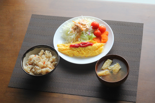 オムレツの朝食
