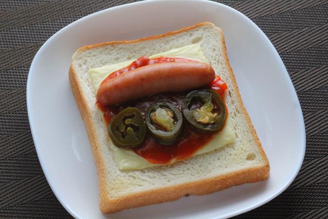 食パンのスパイシーチリドック