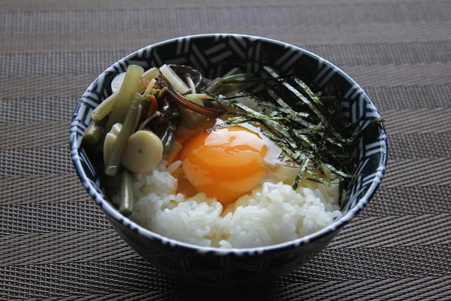 山菜卵かけご飯
