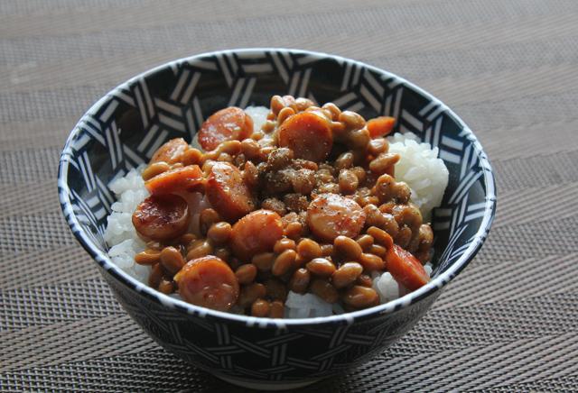 ソーセージ納豆ご飯