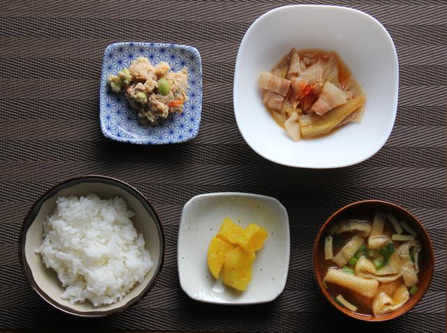 豚小鉢の朝食