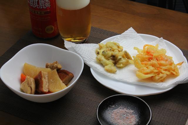 アサリの天ぷらとエビのかき揚げ