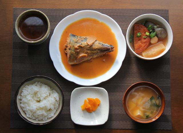 鯖の味噌煮と煮物