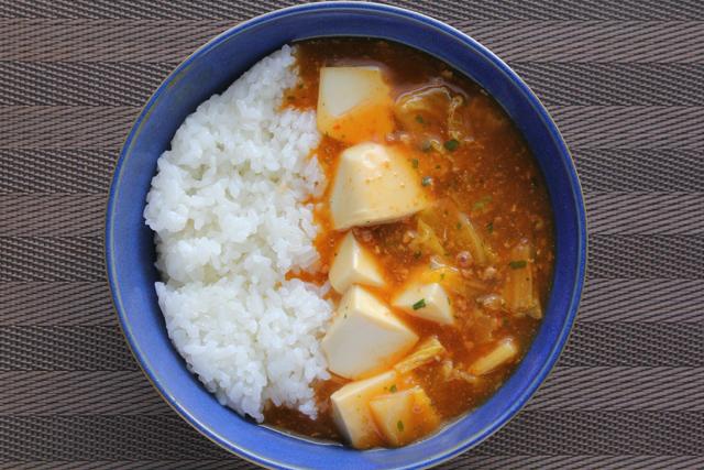 麻婆白菜豆腐丼