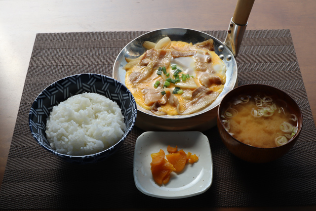 生姜焼きの卵とじ